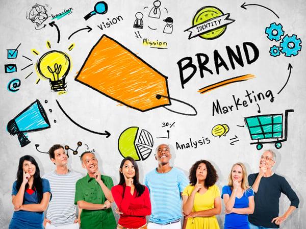 gente-diversa-que-piensa-planeando-concepto-marca-marketing_53876-64952